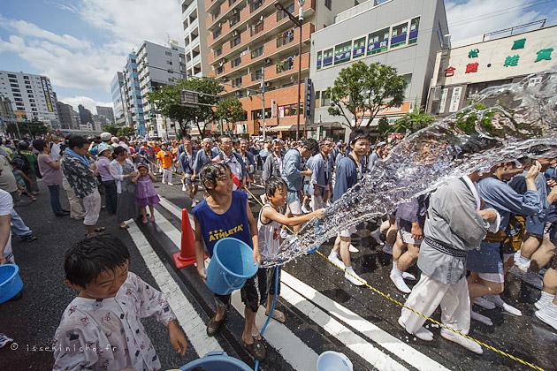 mizukake matsuri, 深川八幡祭り, 水掛祭り,富岡八幡具