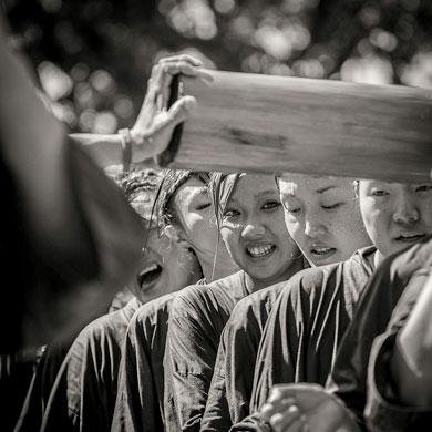 Mizukake au temple Tomioka Hachimangu  • 水掛祭り富岡八幡具