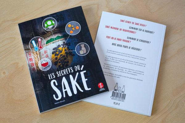 couverture et quatrième de couverture d'un livre sur le saké